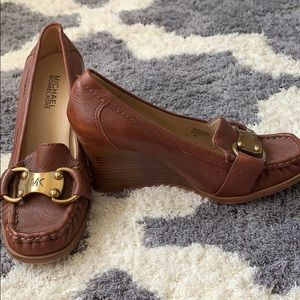Michael Kors tan wedges with buckle